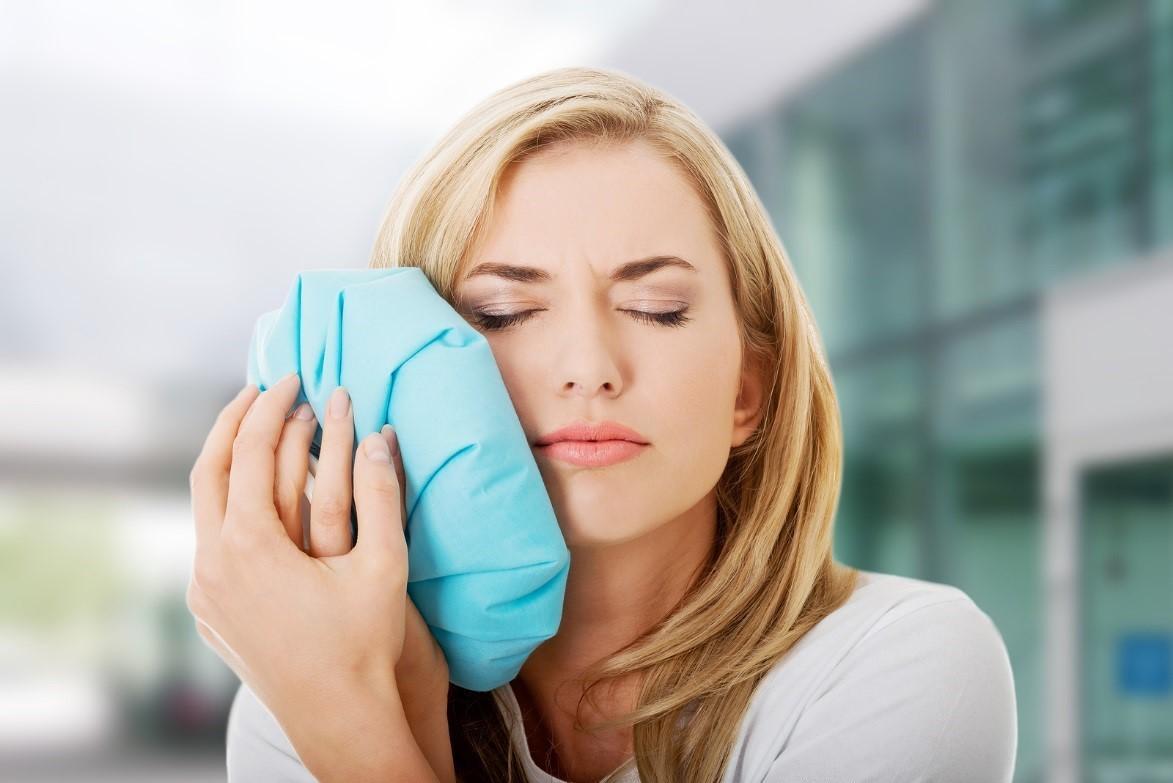 Как быстро избавиться от синяка на лице, руках, ногах: традиционные и народные методы лечения