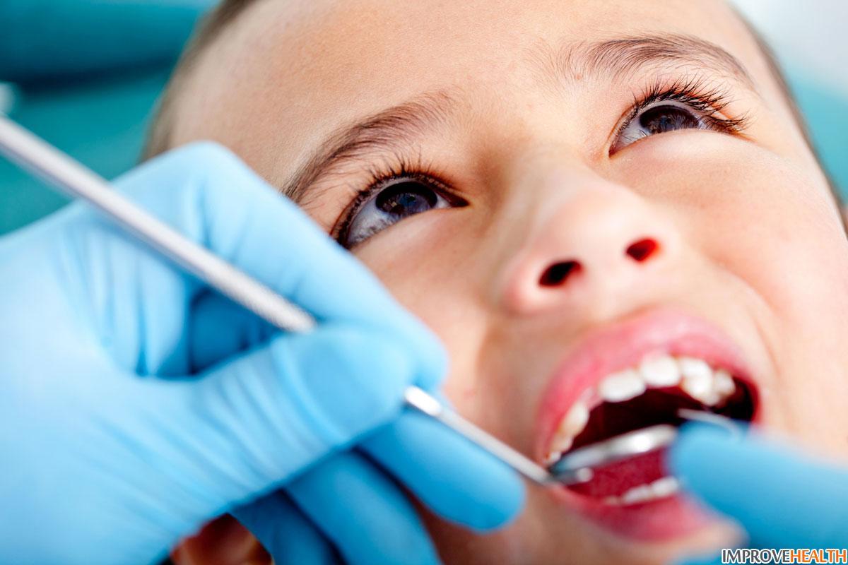 Ребенок прикусил язык: как остановить кровотечение